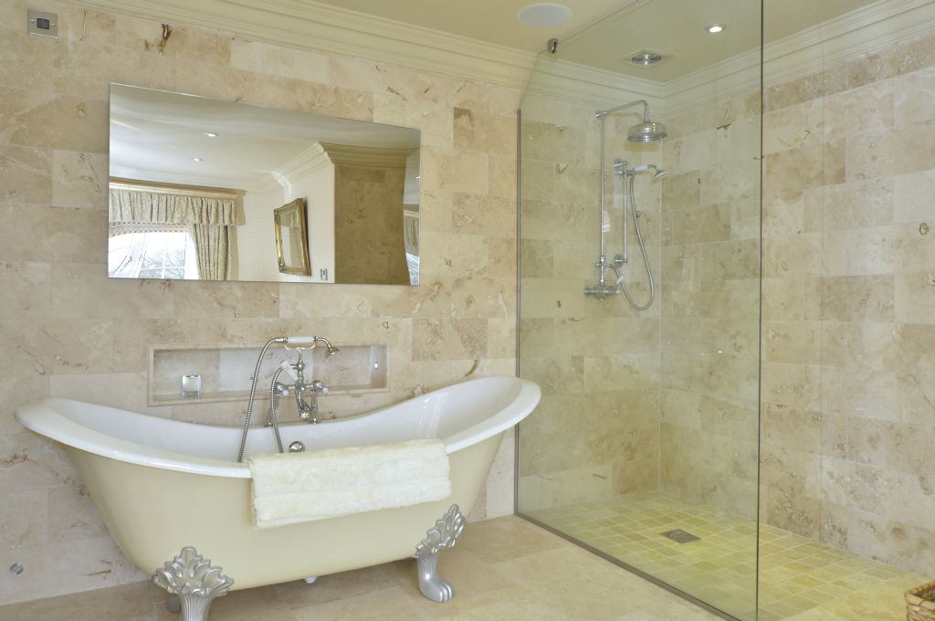 featured property spa wells low dinsdale